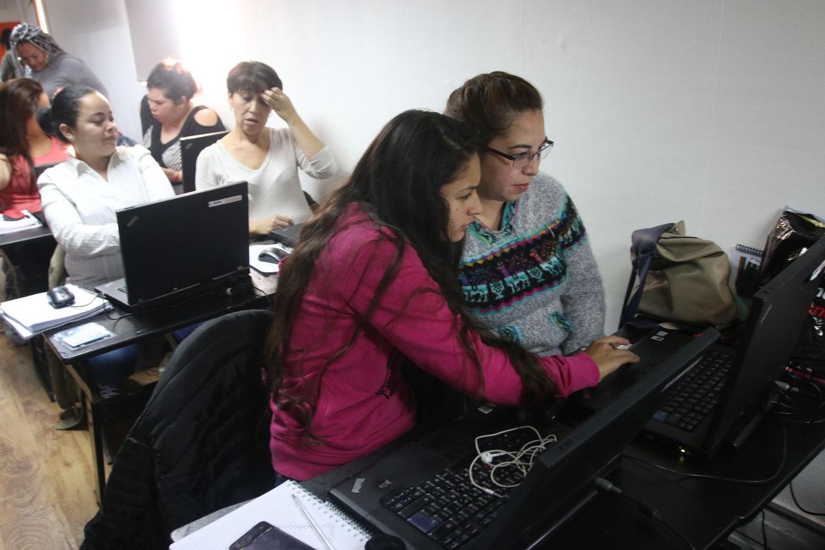 Aula Móvil de Claro Chile