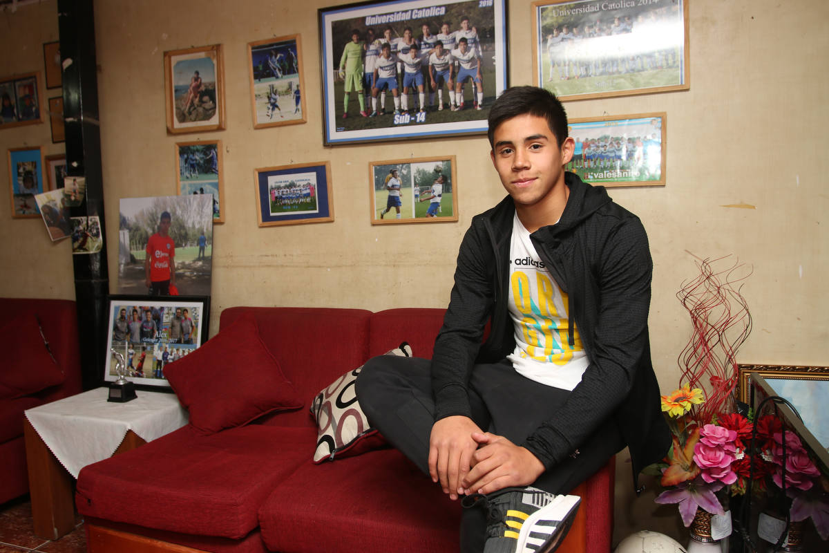 Alexander Aravena