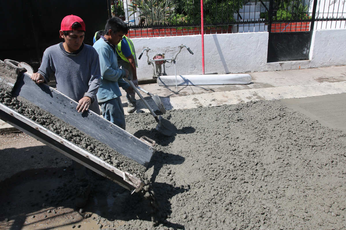 Comienzan nuevos trabajos de reparación del pavimento en calles El Laurel y Juan Cristóbal