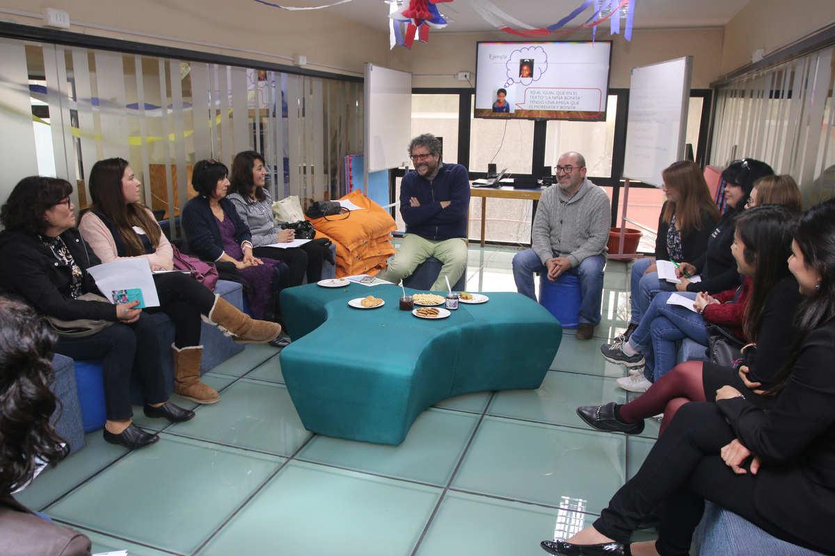 Profesoras de Huechuraba incorporan estrategias innovadoras para mejorar el aprendizaje y la comprensión lectora