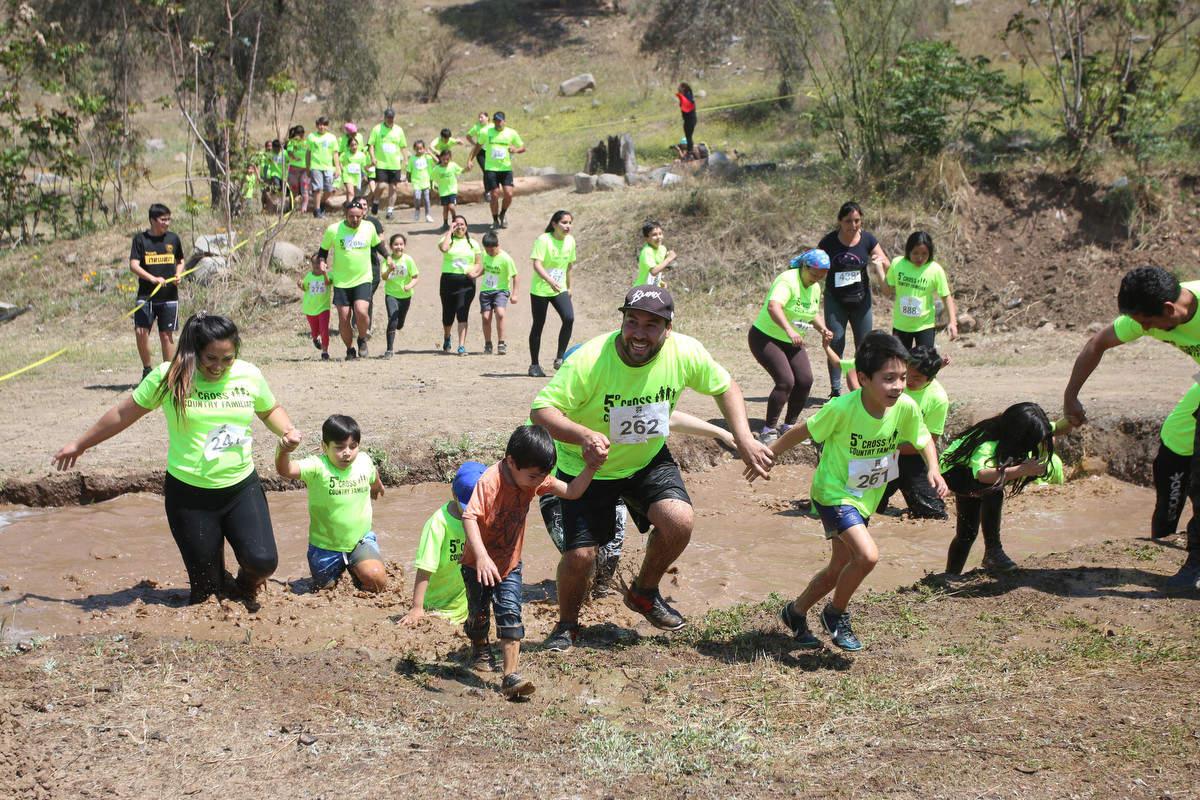 Más de 500 vecinos dieron vida al 5° Cross Country Familiar de Huechuraba