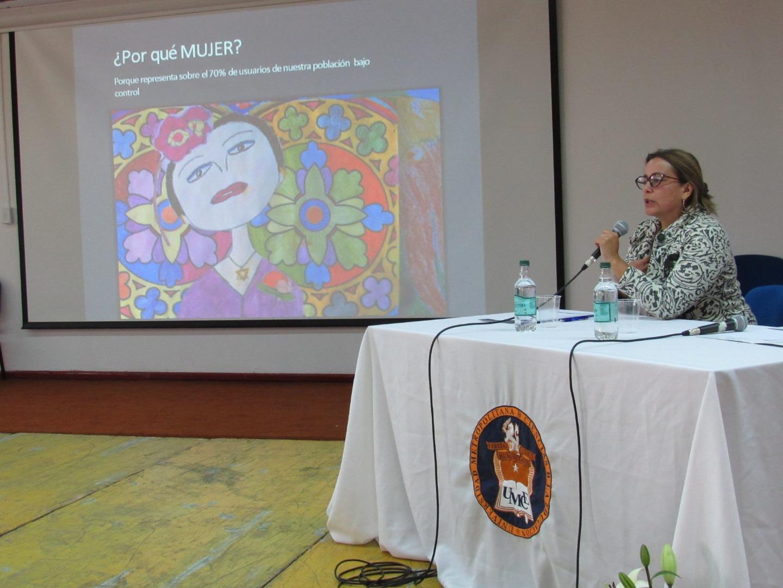 Usuarias de Cosam Huechuraba se recuperan con Arteterapia