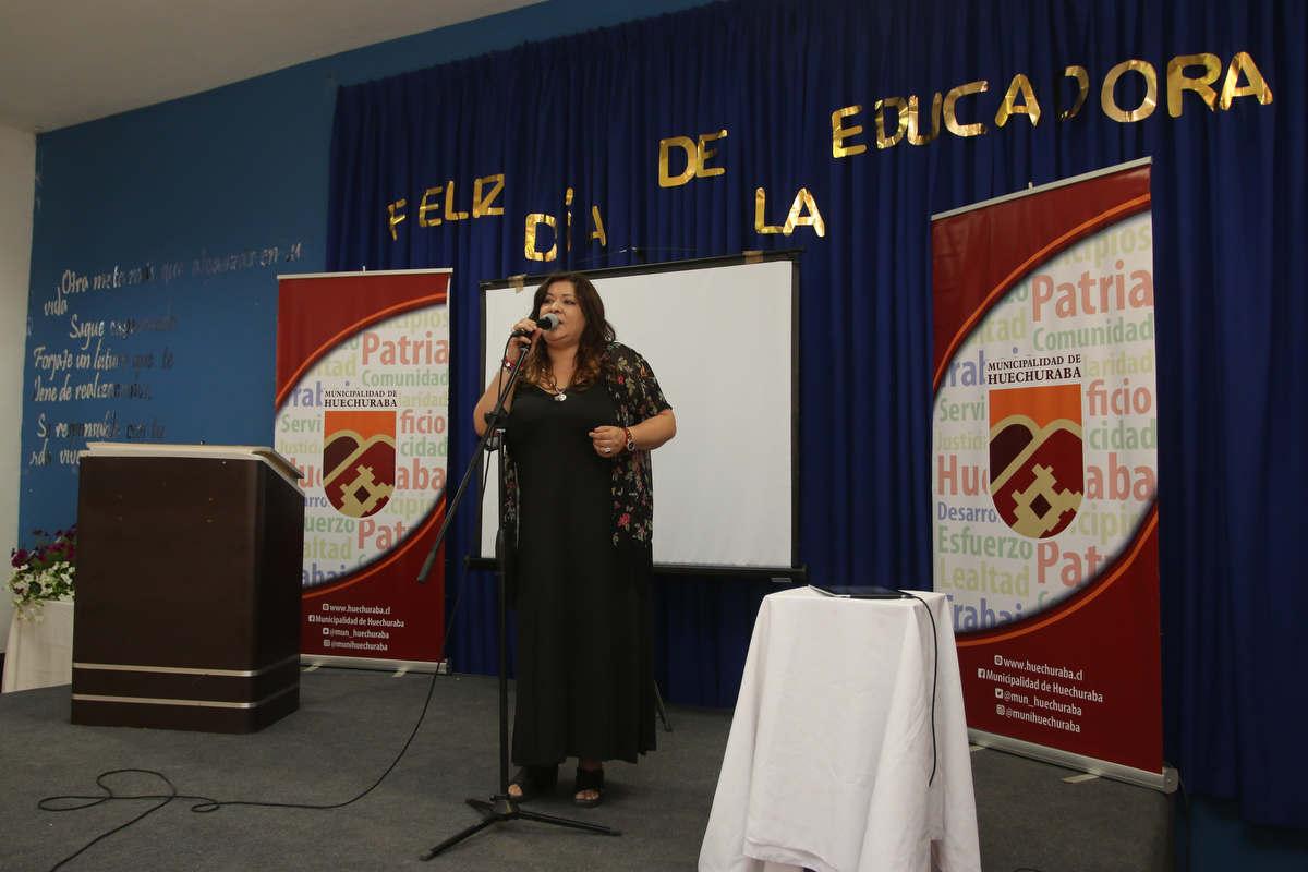 Educadoras de Párvulos celebraron su día en el Centro Educacional de Huechuraba