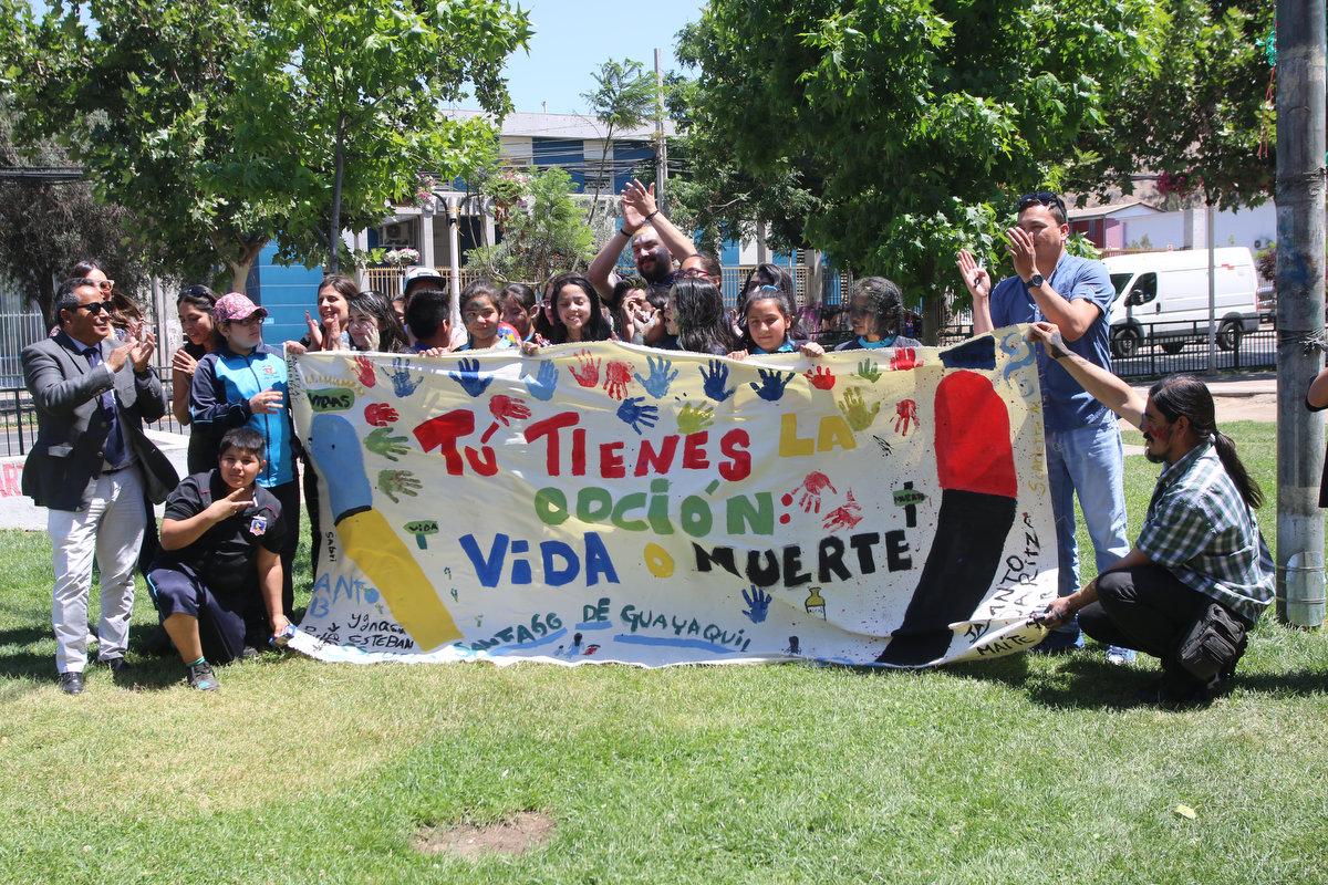 Jóvenes de Huechuraba realizaron caminata contra el consumo de alcohol y drogas