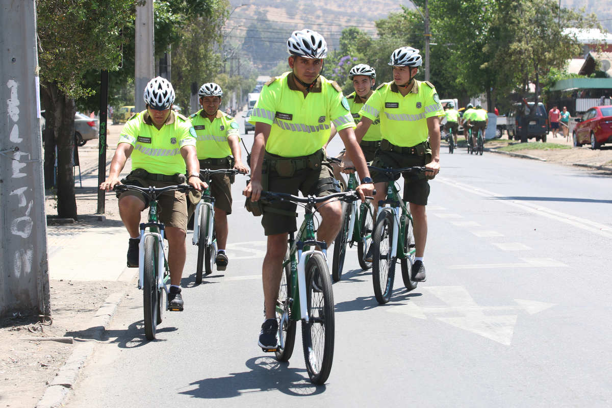 Alcalde entrega 10 nuevas bicicletas a Carabineros de Huechuraba