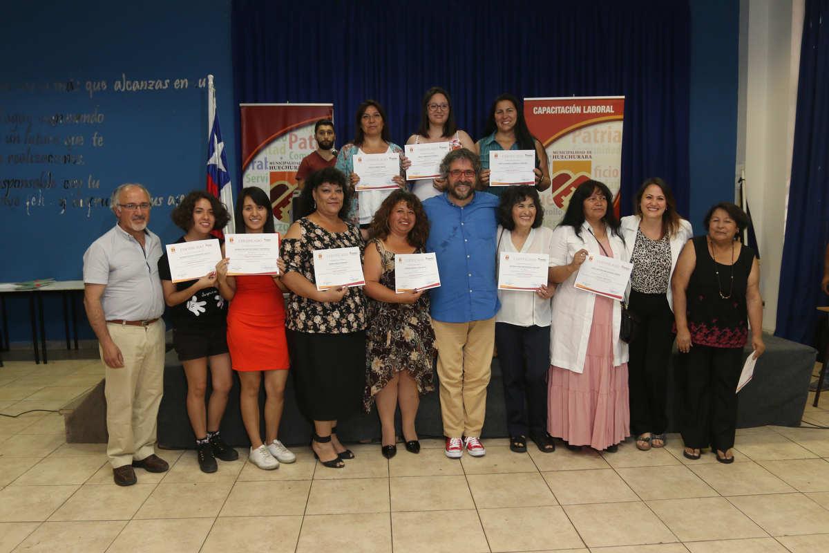 100 mujeres de la comuna se graduaron de los Cursos Municipales de Capacitación Laboral