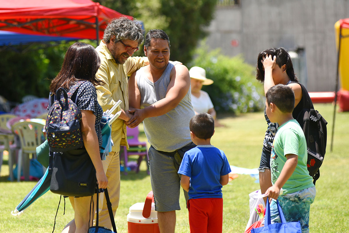 Viejito Pascuero sorprendió a los niños de los Programas  Guardería Infantil y de 4 a 7