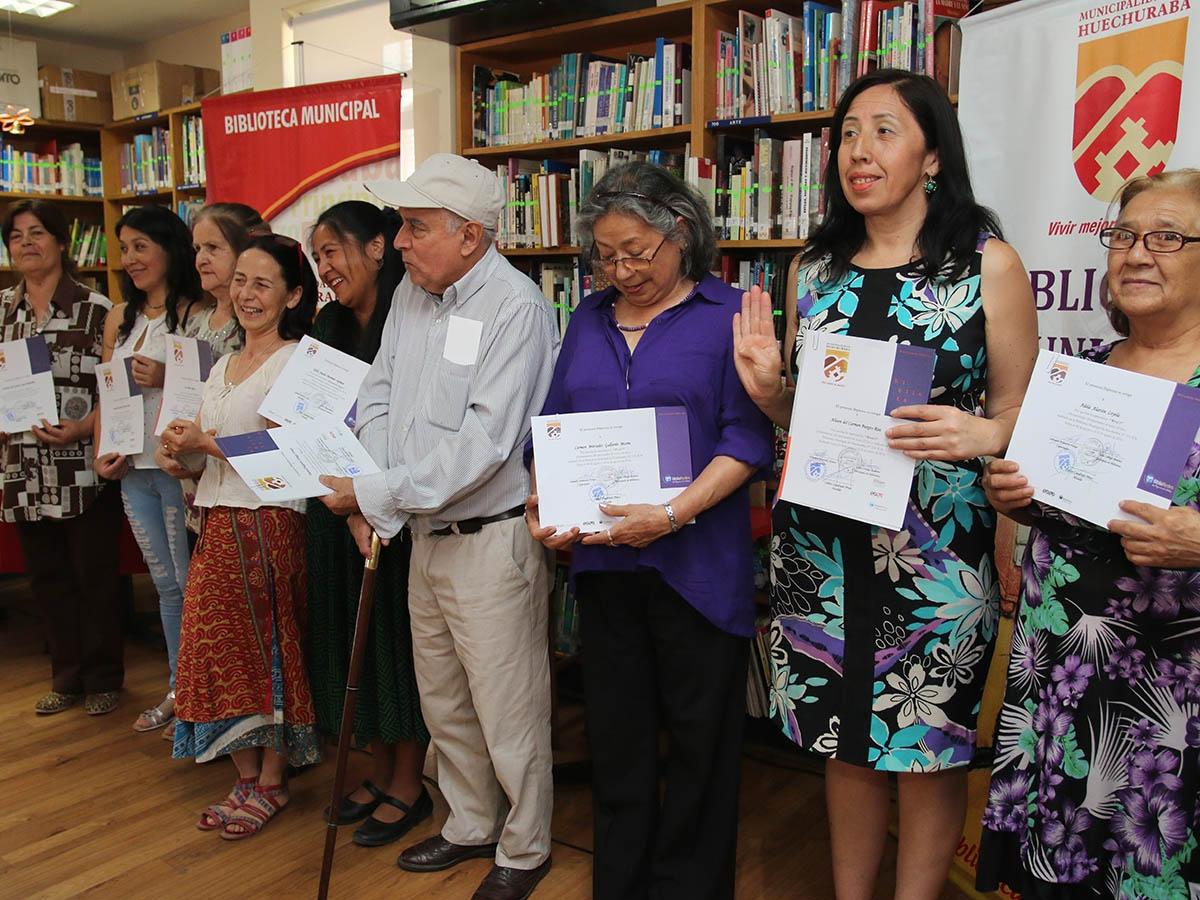 Vecinos de Huechuraba recibieron certificación en alfabetización digital