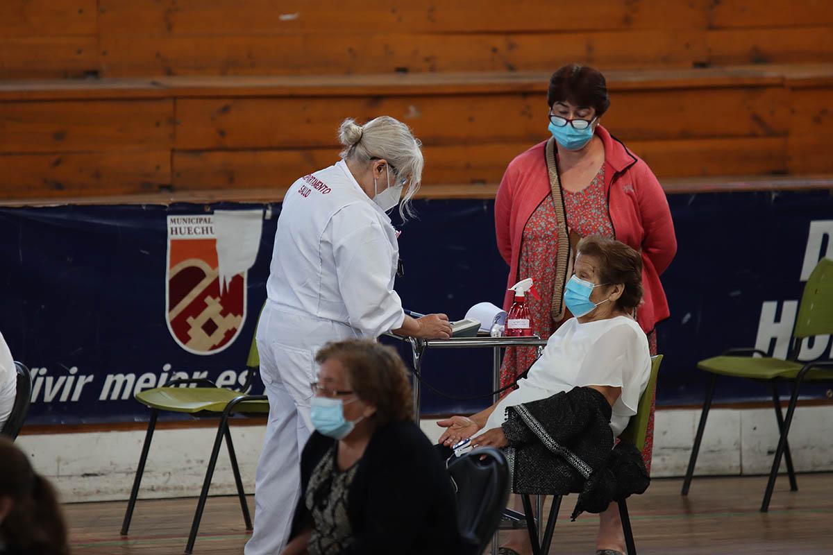 Cerca de 5 mil vecinas y vecinos ya recibieron la primera dosis de la vacuna contra el Covid-19, en la primera semana
