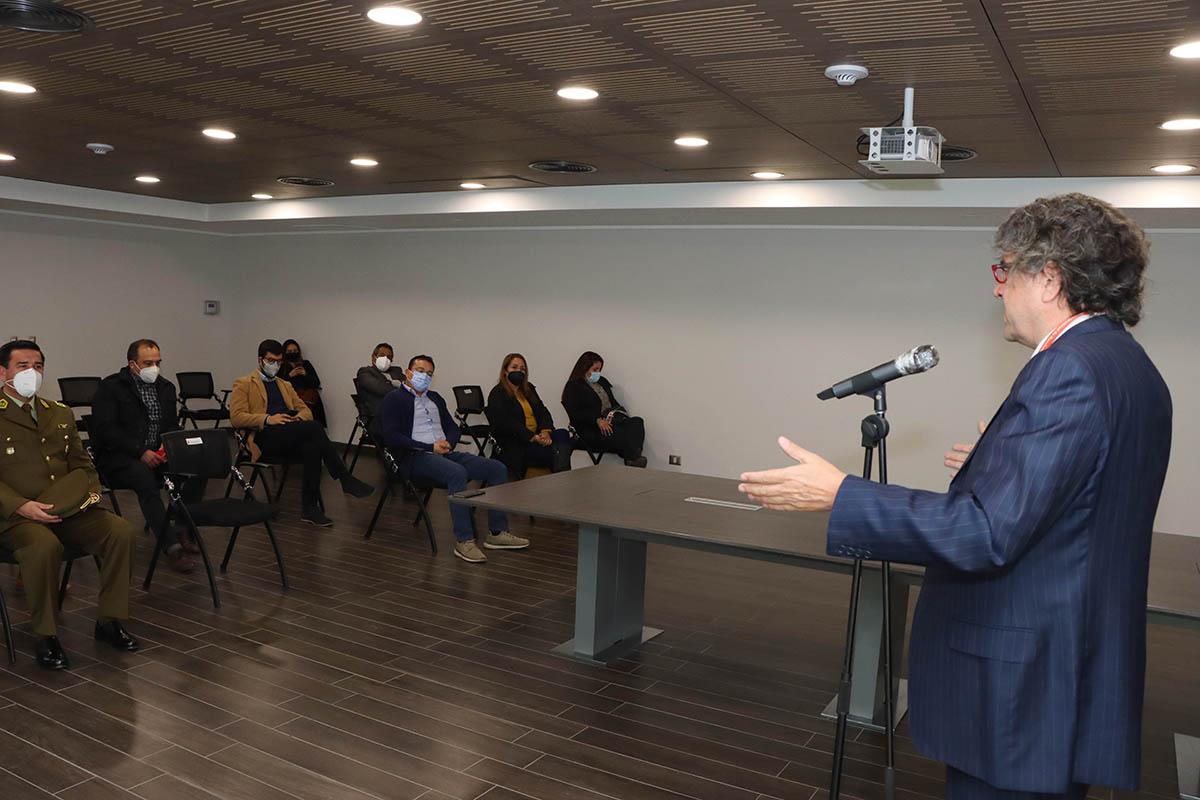 Huechuraba suscribe convenio con Carabineros para avanzar en la Subcomisaría en el Sector Poniente